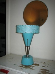 retro aqua light shade
